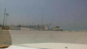 تحذيرات من محاولات الإمارات إنشاء ميناء عسكري في سقطرى