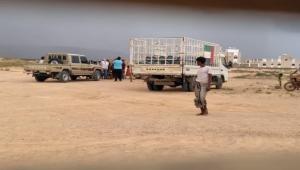 الإمارات تقوم ببيع الغاز بسعر خيالي في سقطرى وإعلامها ينشر أنها مكرمة مجانية
