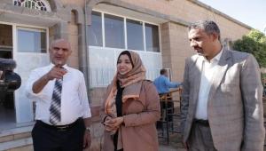 وكيلة الشباب والرياضة لقطاع المرأة تشيد بمستوى إقبال الفتيات على جامعة إقليم سبأ
