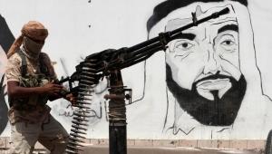 محلل إسرائيلي يرحب بسيطرة الإمارات على جزيرة سقطرى في اليمن