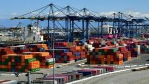 تضرر كبير للتجارة العالمية بسبب فيروس كورونا