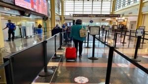 ترامب يمنع المواطنين الأمريكيين من العودة لبلادهم في حال الاشتباه بالإصابة بالوباء