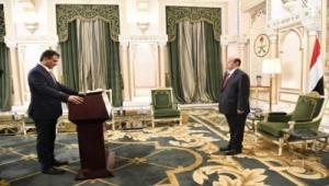 أحمد حامد لملس يؤدي اليمين الدستورية محافظا لعدن