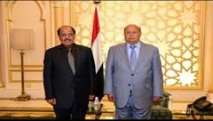 هادي يغادر السعودية ويكلف نائبه الجنرال علي محسن لينوب  عنه في محادثات تشكيل الحكومة الجديدة