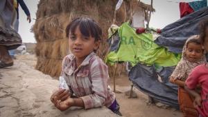 عدن: لملس يدعو لإخراج النازحين من العاصمة عدن إلى مخيمات نزوح مستقلة