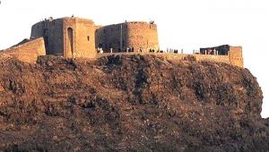 الحماية الرئاسية تتسلم موقع قلعة صيرة