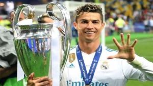 """ريال مدريد يحسم قراره بشأن عودة رونالدو لـ""""برنابيو"""""""
