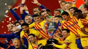 برشلونة يتوج بكأس ملك إسبانيا في ليلة تألق ميسي