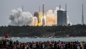 """أين يسقط صاروخ الصين """"التائه"""" في الفضاء؟"""