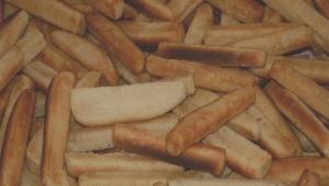عدن تشهد أزمة كبيرة في الخبز جراء إضراب الأفران