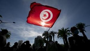 تونس.. النهضة يدعو للحوار والمجتمع المدني تطالب بخارطة طريق