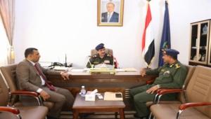 وزير الداخلية يلتقي محافظ سقطرى للاطلاع على الأوضاع الأمنية في الأرخبيل