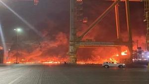 """دبي.. السيطرة على حريق اندلع في منطقة """"جبل علي"""""""