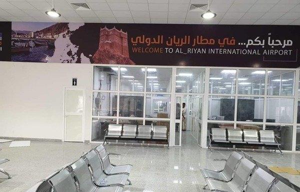 وزير النقل اليمني يتهم أبوظبي بتسيير رحلات من وإلى مطار الريان دون تنسيق مع الحكومة