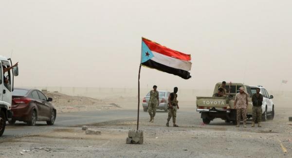 """اشتباكات في أبين بين القوات الحكومية و""""الانتقالي الجنوبي"""".. وأبوظبي تستعد لتفجير الوضع"""