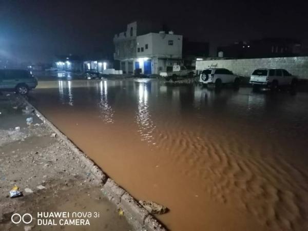 ثلاثة أيام من الأمطار.. سقطرى تغرق بالمياه وسط مخاوف من إعصار مداري (تقرير خاص)