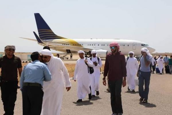 مسؤول يمني يدعو إلى مقاومة الاحتلال الإماراتي في سقطرى وطردها