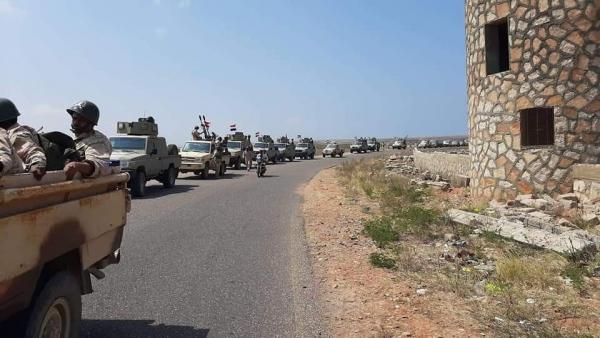 """في ظل التوتر مع أبوظبي..  الجيش الوطني يعزز وجود قواته في """"قلنسية"""""""