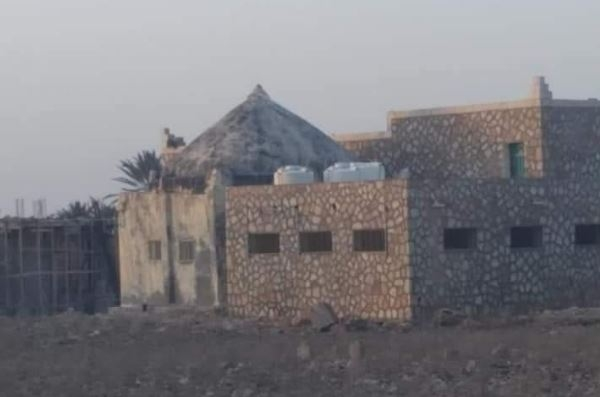 الإمارات تسرق آثار سقطرى