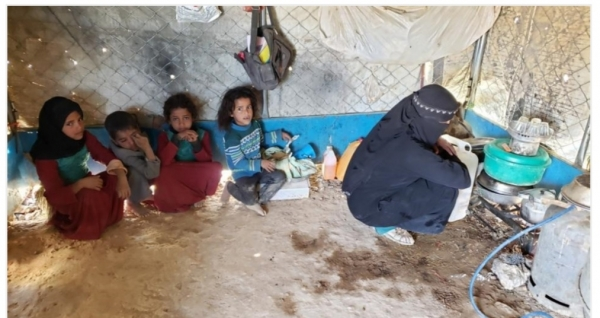 هيومن رايتس: مخيمات النازحين بمأرب تفتقر لأبسط الخدمات الصحية في ظل انتشار كورونا