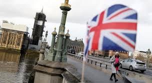 بريطانيا تفكر في الإغلاق مرة أخرى لمنع تفشي كورونا