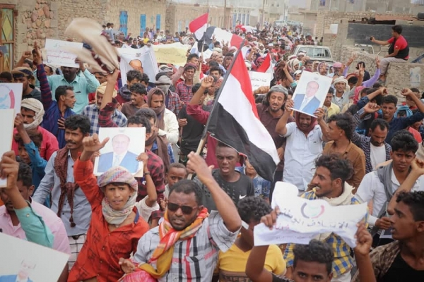 سقطرى تنتفض ضد الأطماع الإماراتية وسط تخاذل حكومي وتواطؤ سعودي