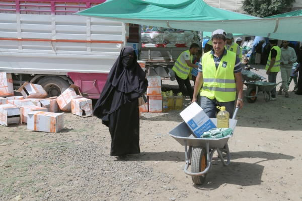 """هيومن رايتس تحذر من """"عواقب مميتة"""" جراء استمرار عرقلة وصول المساعدات لمحتاجيها في اليمن"""