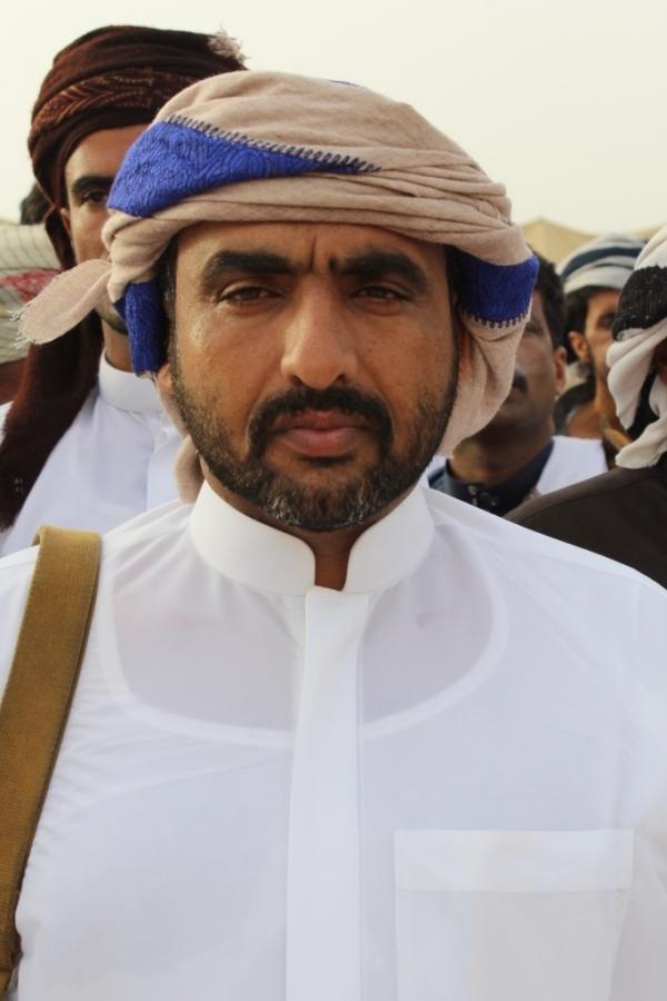 قيادي في اعتصام المهرة يطالب الحكومة برفع الغطاء عن التواجد السعودي