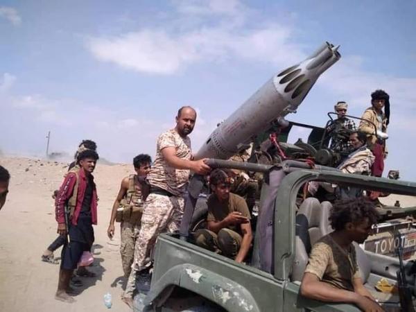أبين: قوات الجيش تأسر 17 من مسلحي الانتقالي وتستولي على أسلحة ومعدات اماراتية