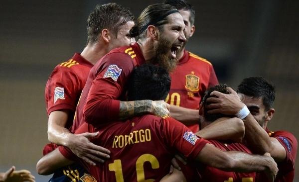 إسبانيا تكتسح ألمانيا بسداسية تاريخية وتبلغ نصف النهائي