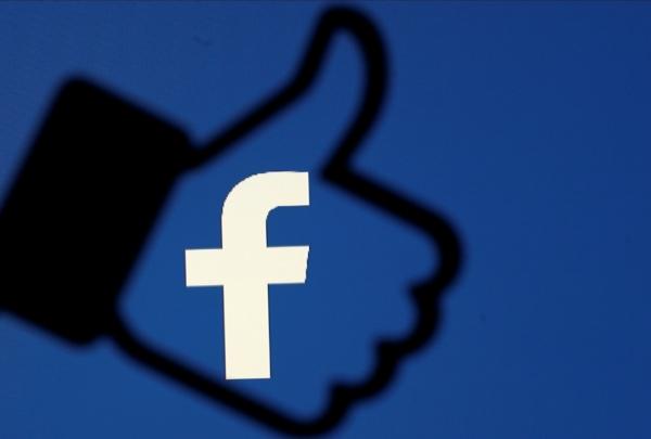 """""""فيسبوك"""" تلغي زر الإعجاب على الصفحات العامة"""