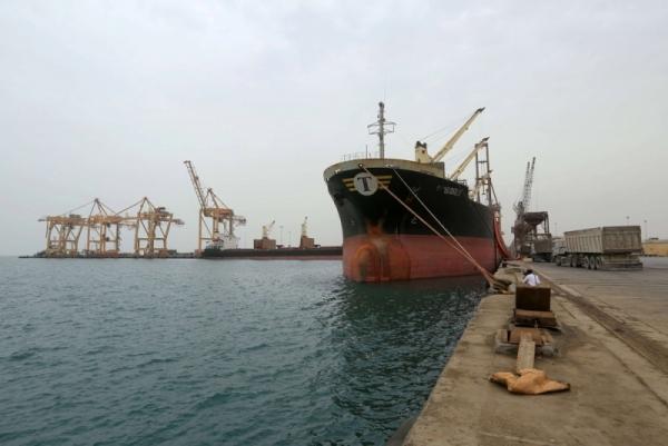 الحوثيون ينفون وصول سفن نفطية إلى ميناء الحديدة