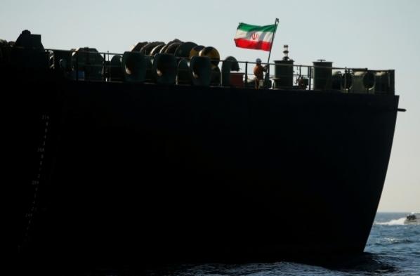تعرض سفينة إيرانية لهجوم في البحر الأحمر