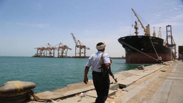 الحوثيون يعلنون وصول سفينة غاز إلى ميناء الحديدة