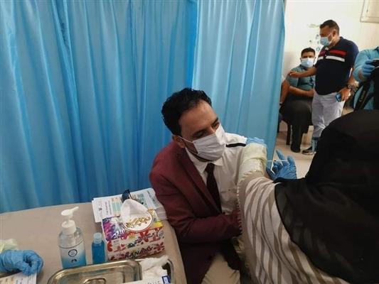 وزير الصحة: يدعو العاملين في القطاع الصحي بمناطق الحوثي للتوجه إلى مناطق الشرعية لأخذ لقاح كورونا