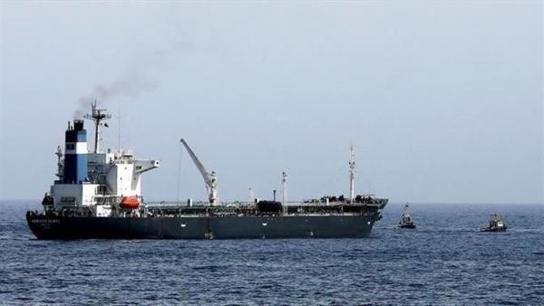 جماعة الحوثي تتهم التحالف باحتجاز 6 سفن نفطية