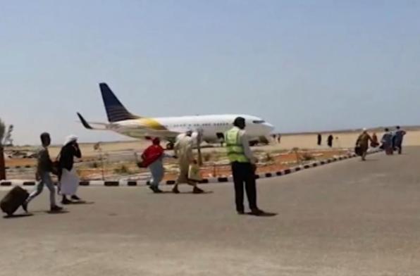 مصادر: وصول رحلات جوية إماراتية جديدة إلى سقطرى