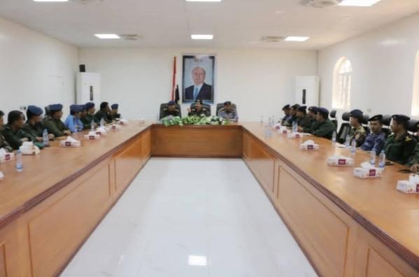 شبوة.. وزير الداخلية يشيد بجهود الأجهزة الأمنية في المحافظة