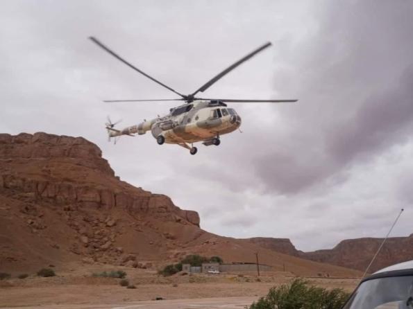 حضرموت.. طيران المنطقة العسكرية الأولى ينقذ محاصرين من السيول في سيئون