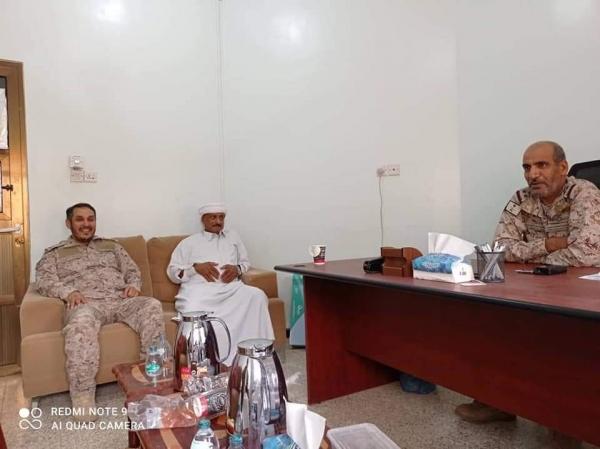سقطرى.. القوات السعودية تلتقي قيادات مليشيا الانتقالي المدعومة إماراتيًا