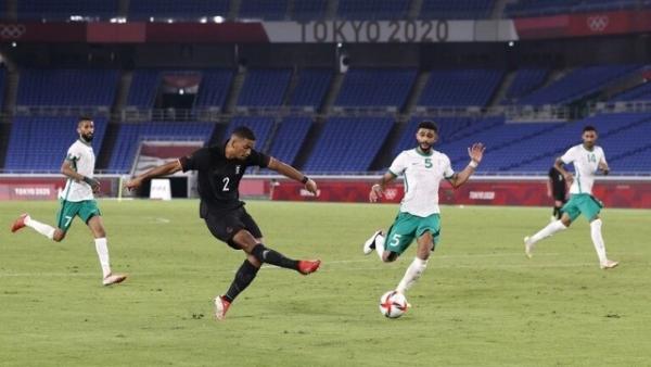 ألمانيا تهزم السعودية بـ10 لاعبين في مسابقة كرة القدم بطوكيو