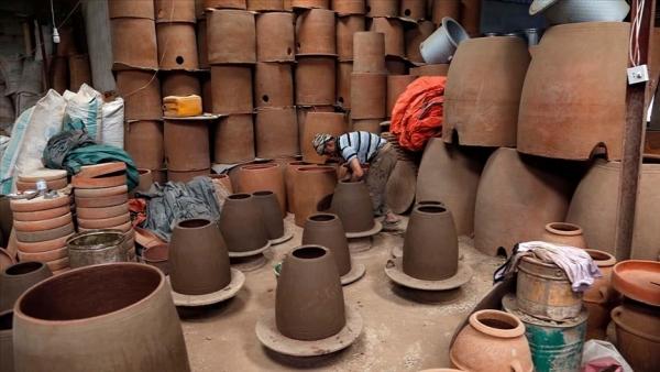 صناعة الفخار.. حرفة تراثية تقاوم الاندثار باليمن (تقرير)