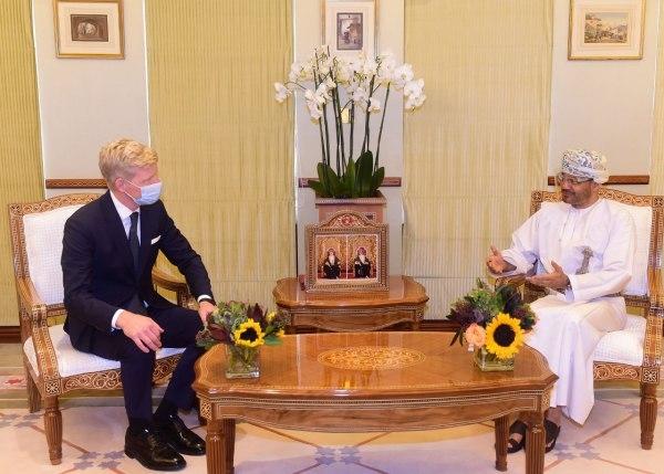 وزير الخارجية العماني يلتقي المبعوثين الأممي والأمريكي لبحث الأوضاع اليمنية