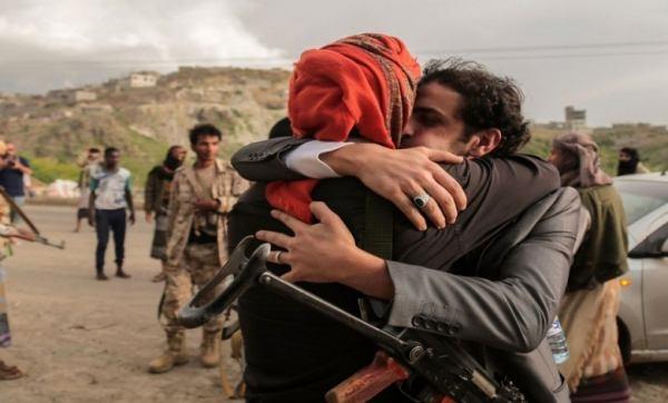 نجاح صفقة تبادل أسرى بين الحوثيين والقوات الحكومية في الجوف