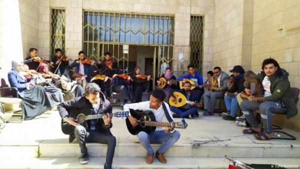 نافذة أمل موسيقية للسلام في يمن تنهشه الحرب